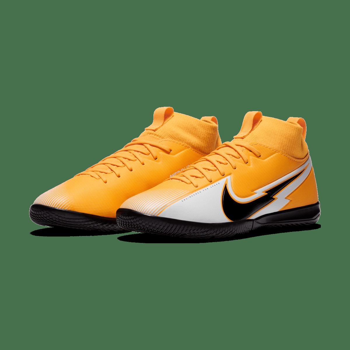 Chaussures de salle Nike Mercurial Superfly VII Academy Jr IC orange/noir pour enfants