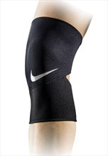 Nike Knie Bandage Pro Closed Patella Knee Sleeve 2.0 schwarz/weiß