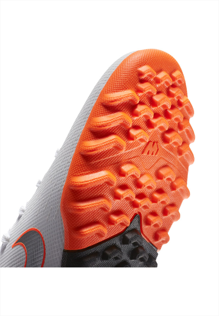 Nike Kinder Fußballschuh Mercurial SuperflyX VI JR Academy GS TF Kunstrasen weiß/orange fluo