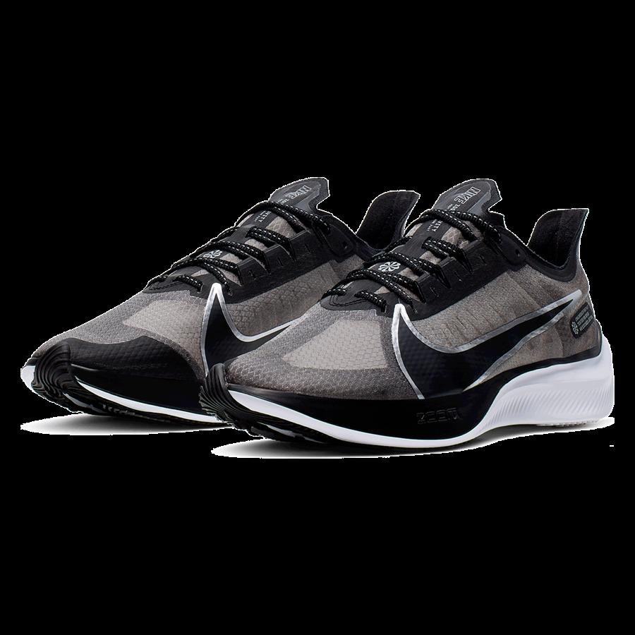 Nike Laufschuh Zoom Gravity schwarz/silber Bild 7
